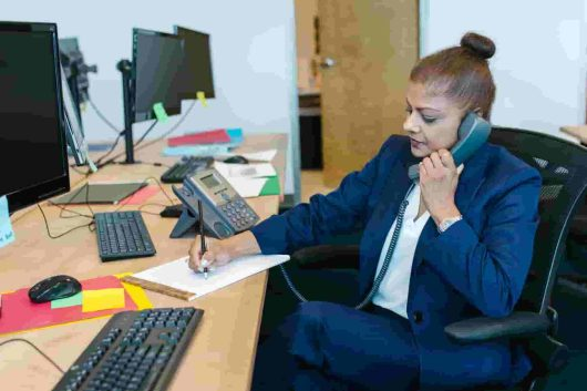 10 essential features for a great business phone system-www.techbuzzpro.com